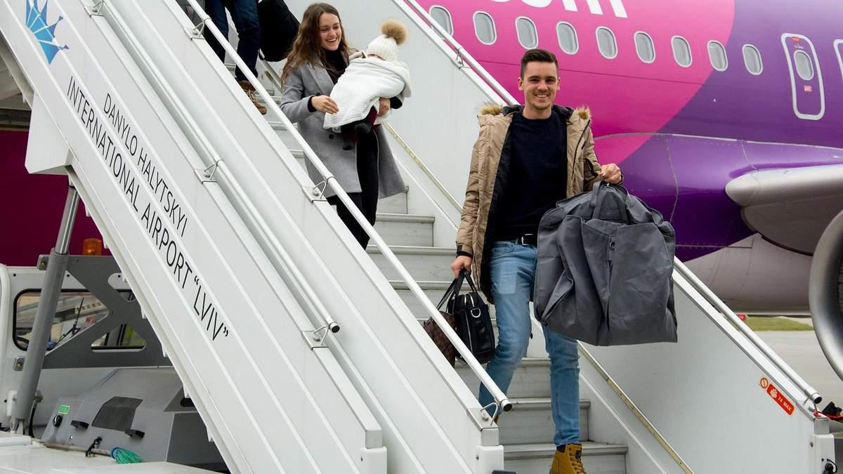 """Международный аэропорт """"Львов"""" встретил двухмиллионного пассажира"""
