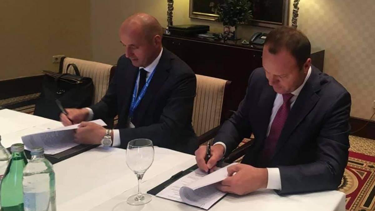 Україна та Росія підписали договір про транзит нафти на 10 років