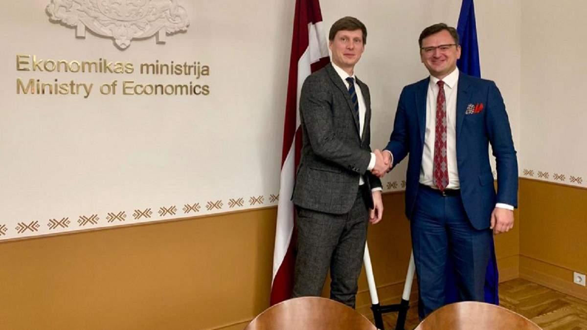 Латвия возобновляет работу агентства инвестиций в Украине: что это значит