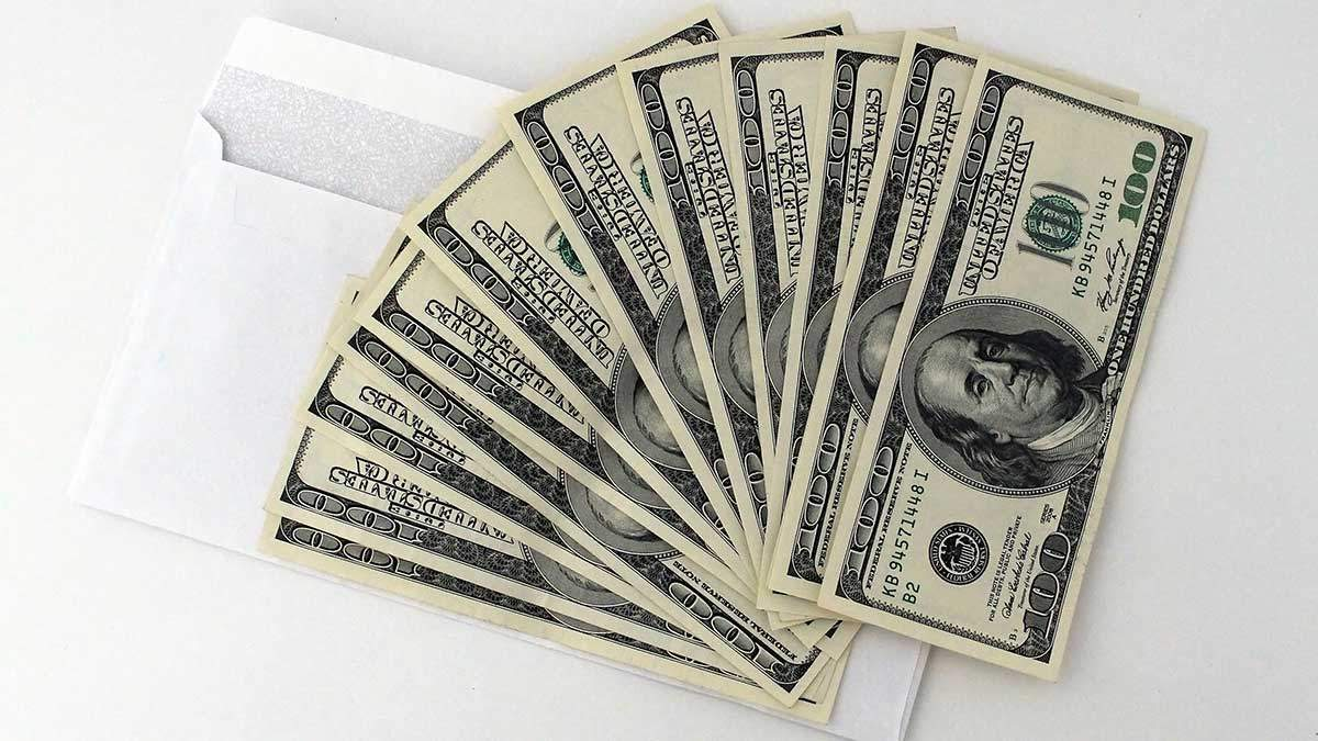 Курс валют на 11 января: доллар и евро снова подешевели