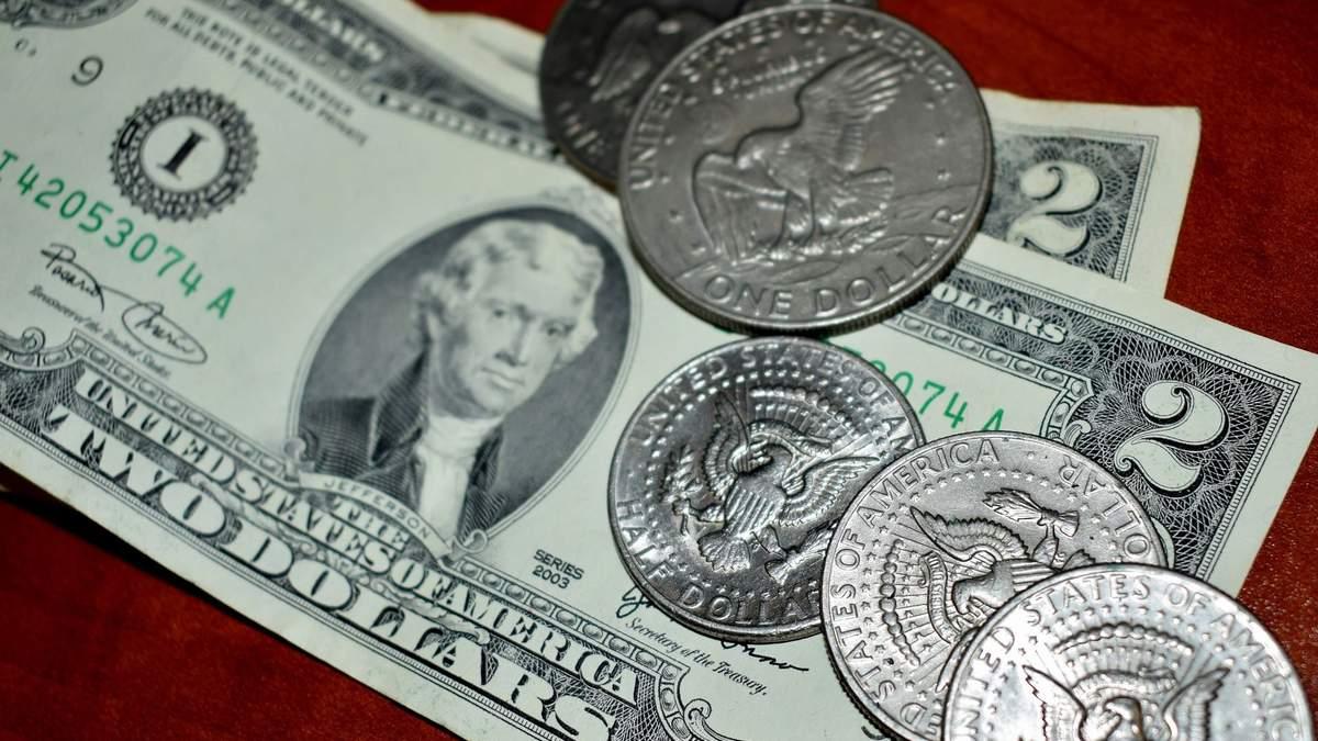 Старі долари: як міняти та чи впливає дата випуску на курс