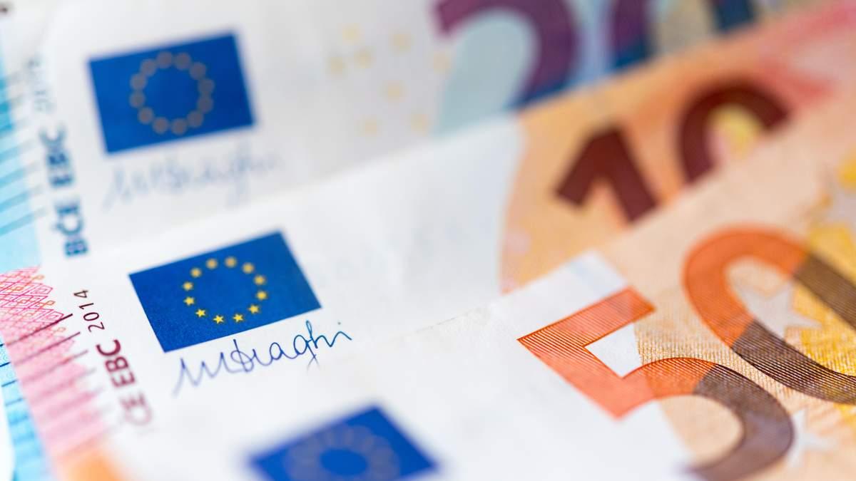 Наличный курс валют 25 февраля: евро подорожал