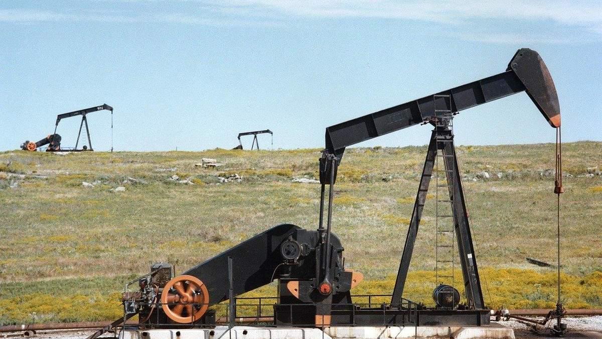 Ціни на нафту стрімко знижуються