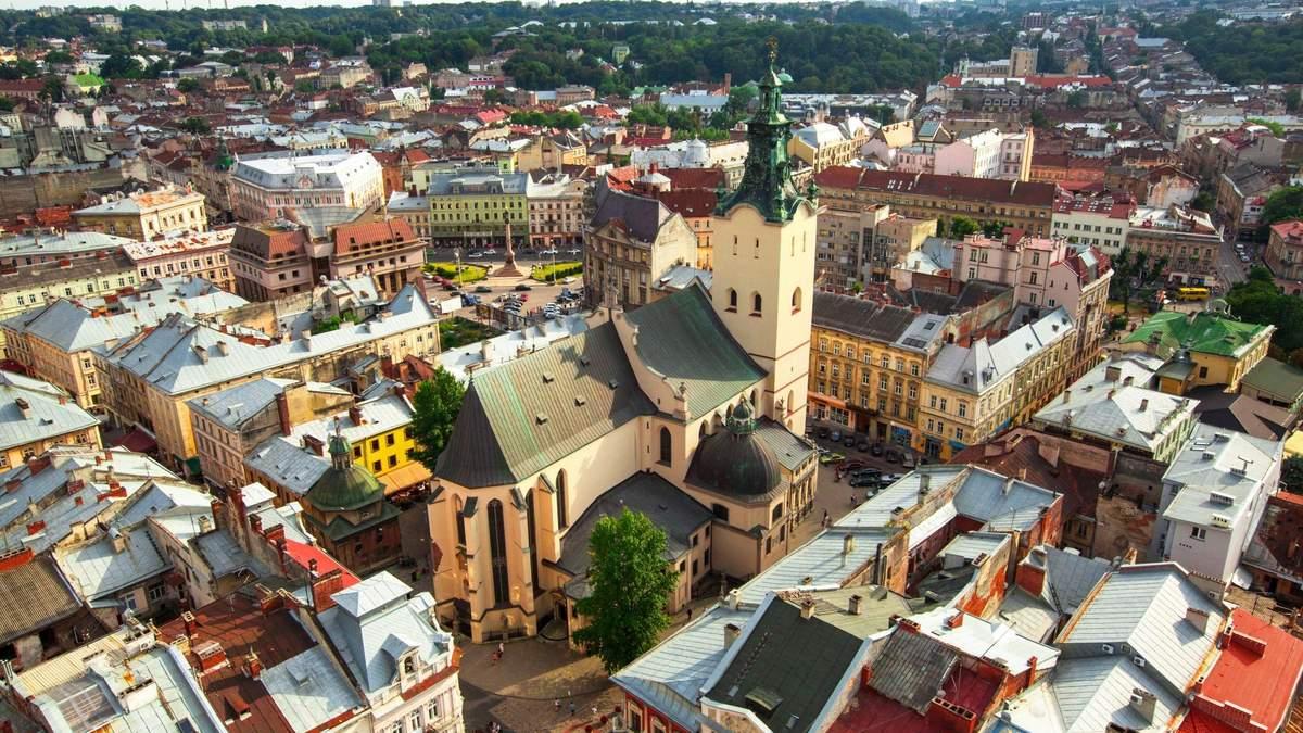 Карантин в Україні: експерт сказав, як це вплине на економіку