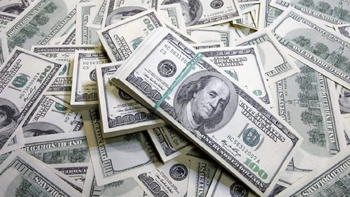 Украина уже потратила миллиард долларов, чтобы удержать курс гривны