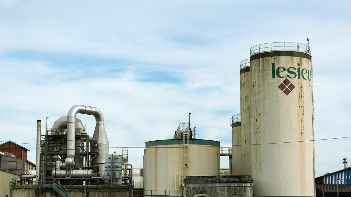 Цены на нефть резко упали после роста накануне: что известно о ситуации на рынке