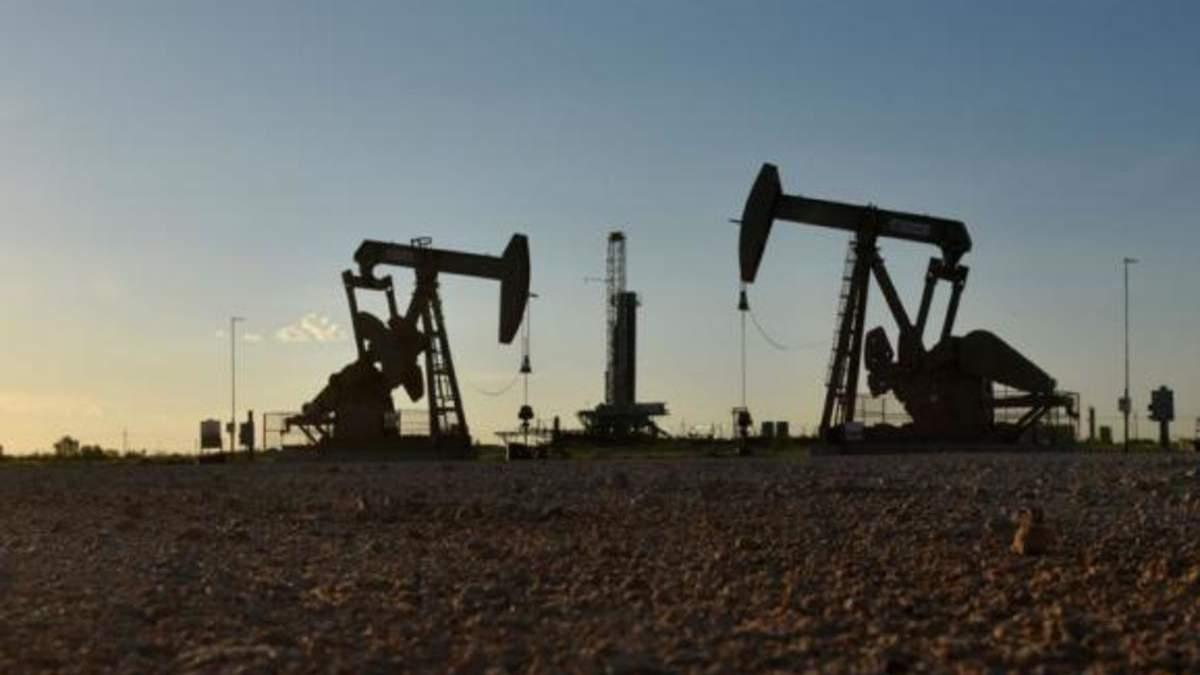 Країни мали домовитись про скорочення видобутку нафти