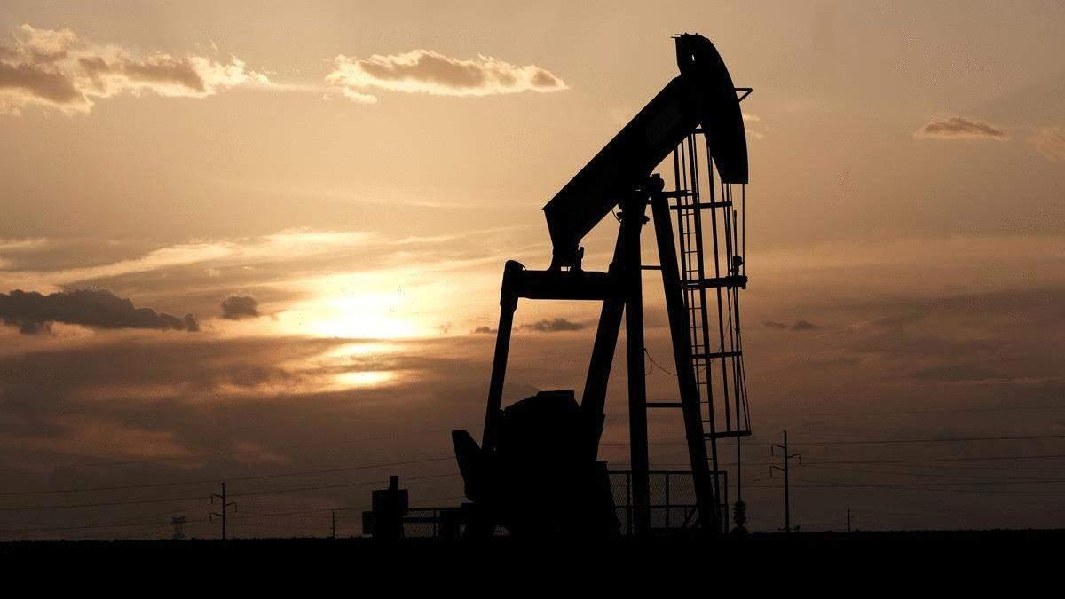 Страны ОПЕК+ договорились о крупнейшем в истории сокращении добычи нефти