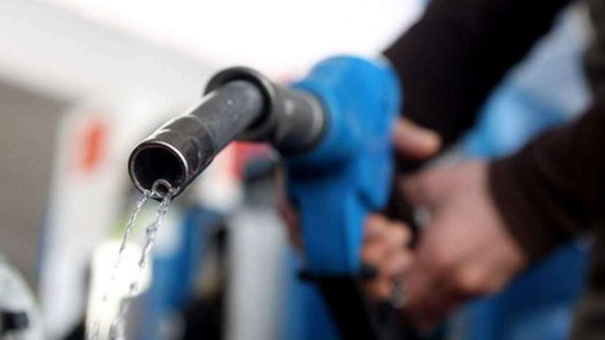 Спробуємо розібратись чому дорожчає бензин