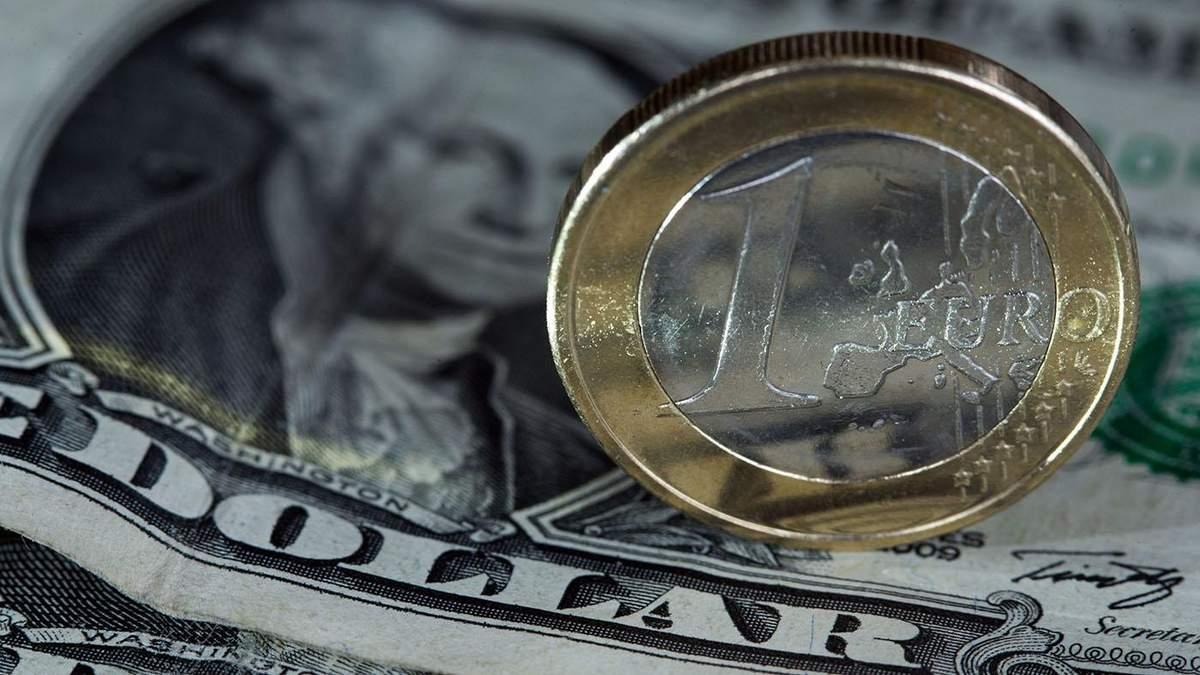 Курс валют на 16 апреля: цена на доллар выросла, на евро – упала
