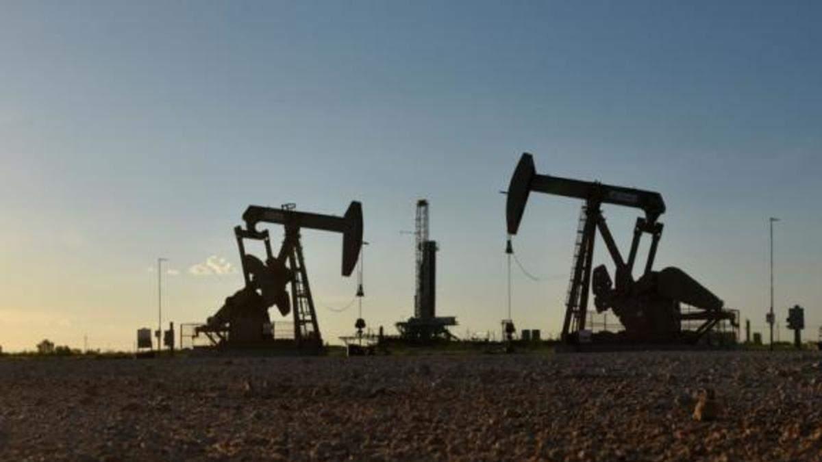 Світове зниження цін на нафту: експерт пояснив, як це вплине на економіку України