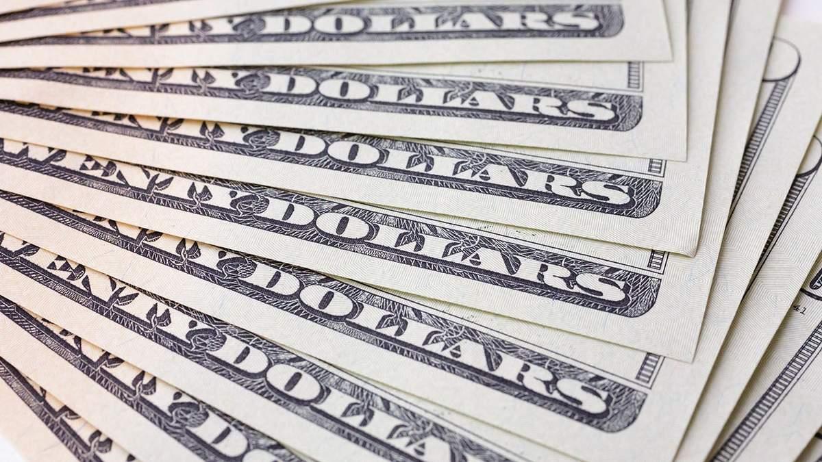 Курс валют на 27 апреля: гривна обесценилась относительно евро и доллара