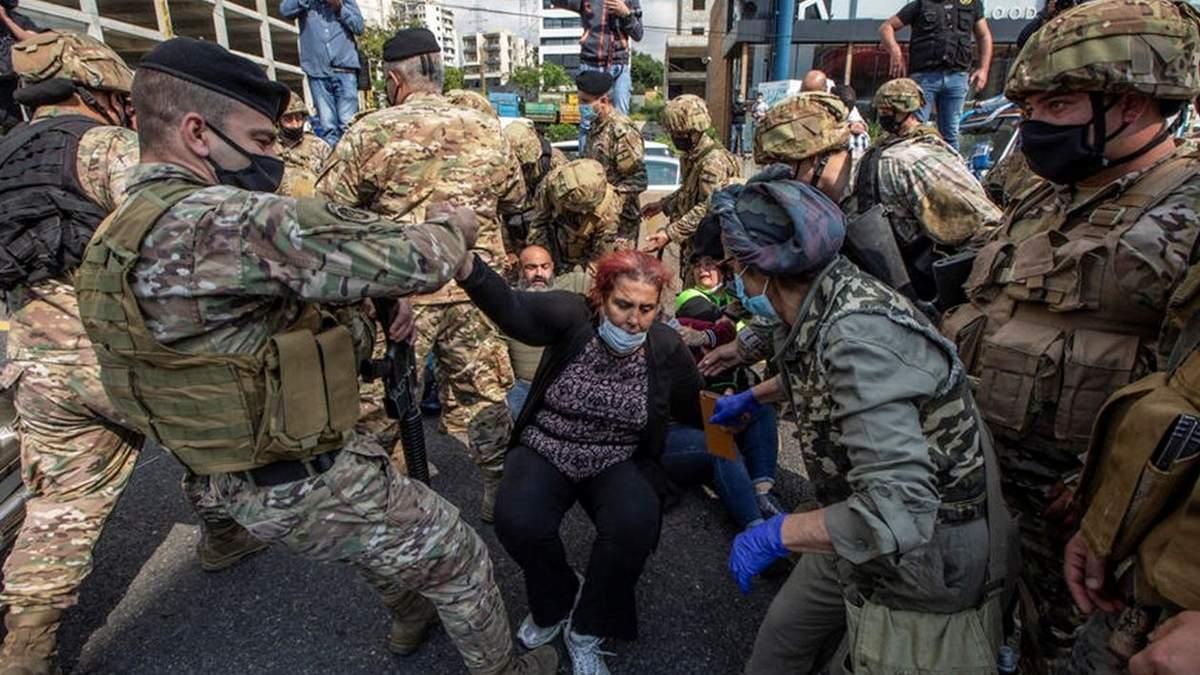 Голодні бунти, підпали і сутички з армією: Ліван охопили масштабні протести – фото