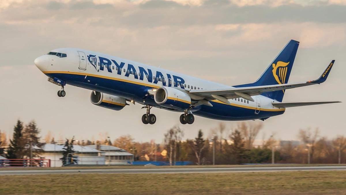 Криза в Ryanair: компанія скоротить працівників та закриє низку баз в Європі