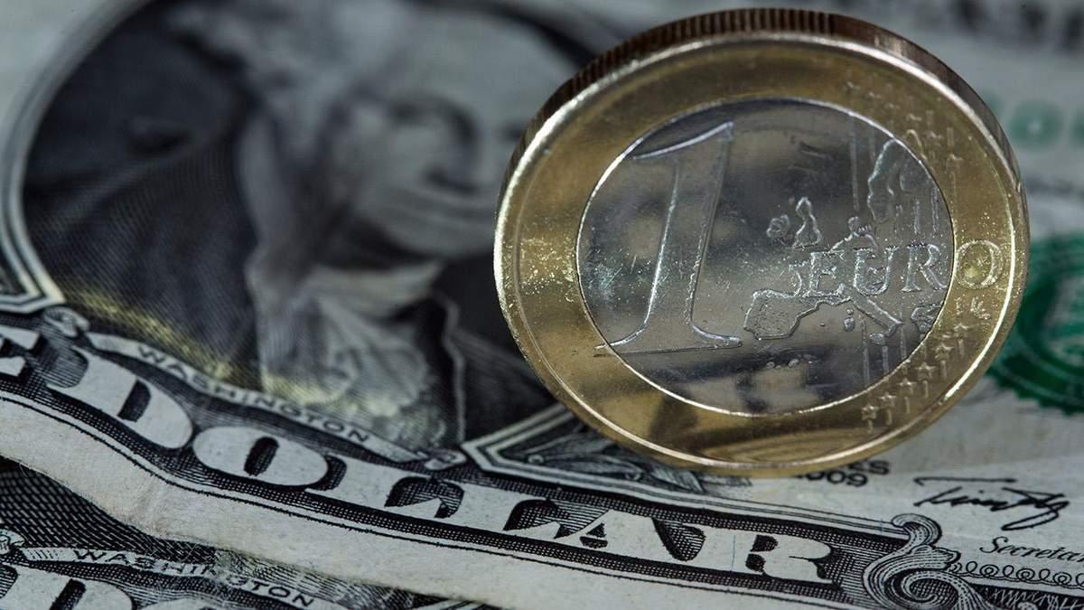 Курс валют на 29 травня: долар і євро пішли донизу