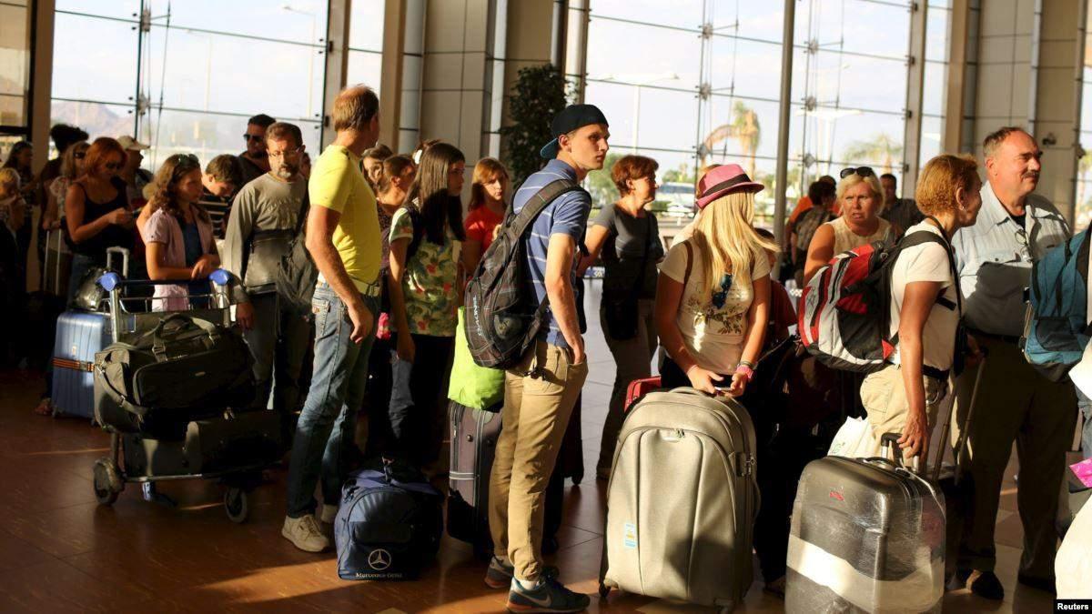 Больше всего тратят туристы из Турции