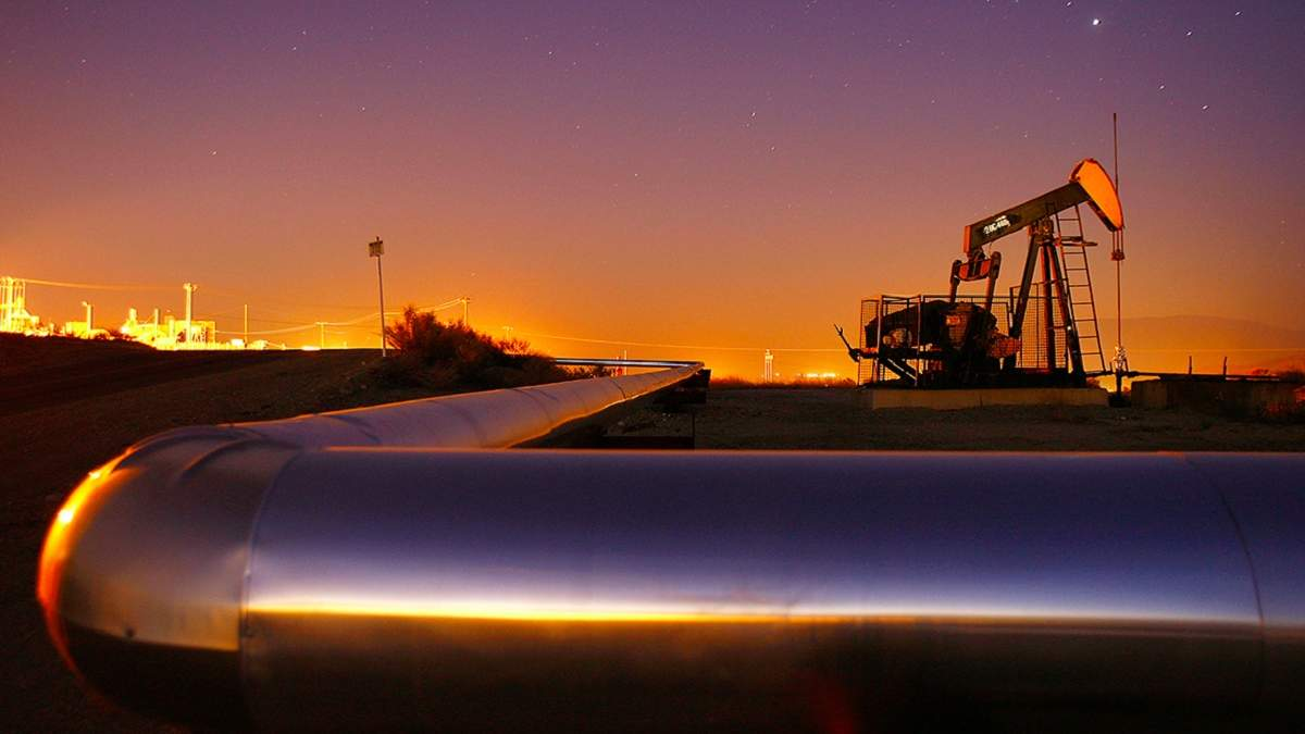 """Укртранснафта"" вперше транспортує американську нафту WTI"