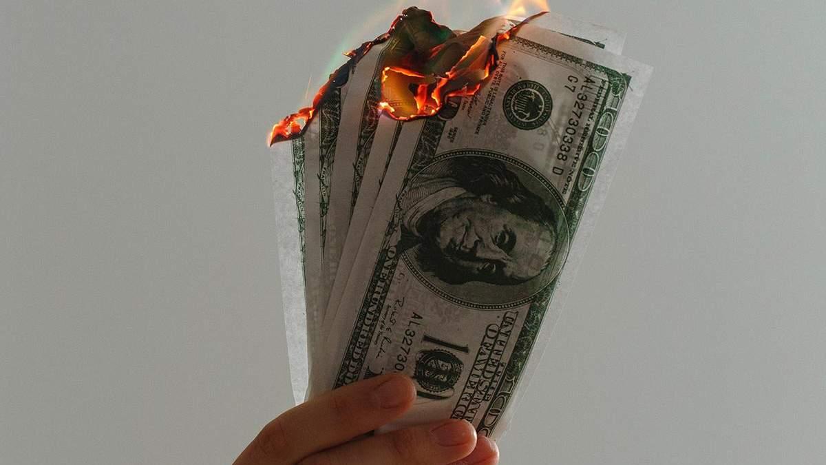 Крах долара не уникнути: валюта впаде на 35% – експерт