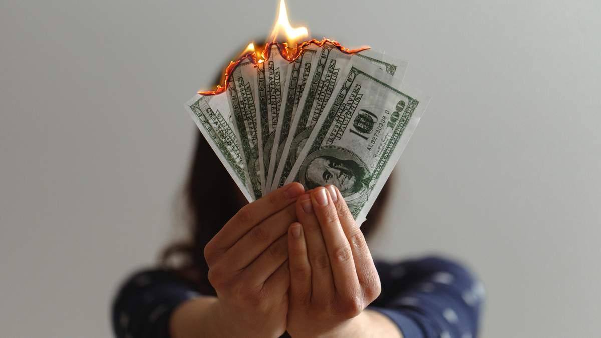 Ера домінування долара може закінчитися дуже швидко: що прийде на зміну – експерт
