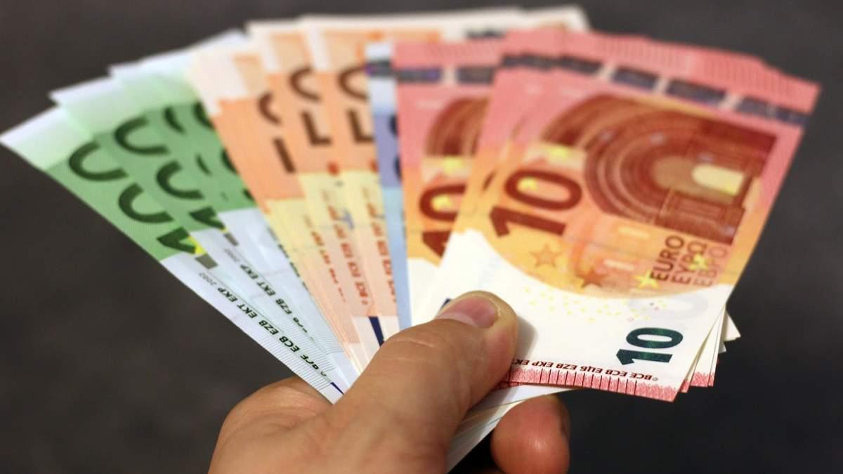 Готівкові платежі можуть обмежити в ЄС: що це означає
