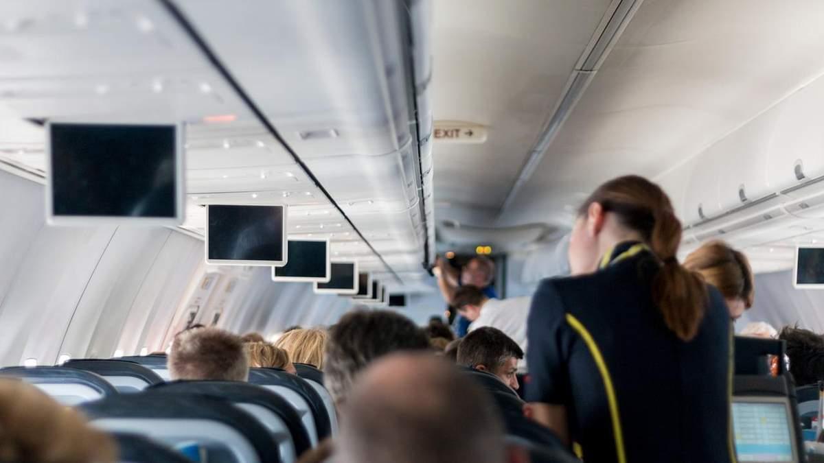 Аеропорт Київ звільняє половину своїх працівників