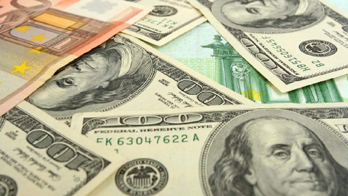 Готівковий курс валют 30 червня: гривня дорожчає в останній день червня