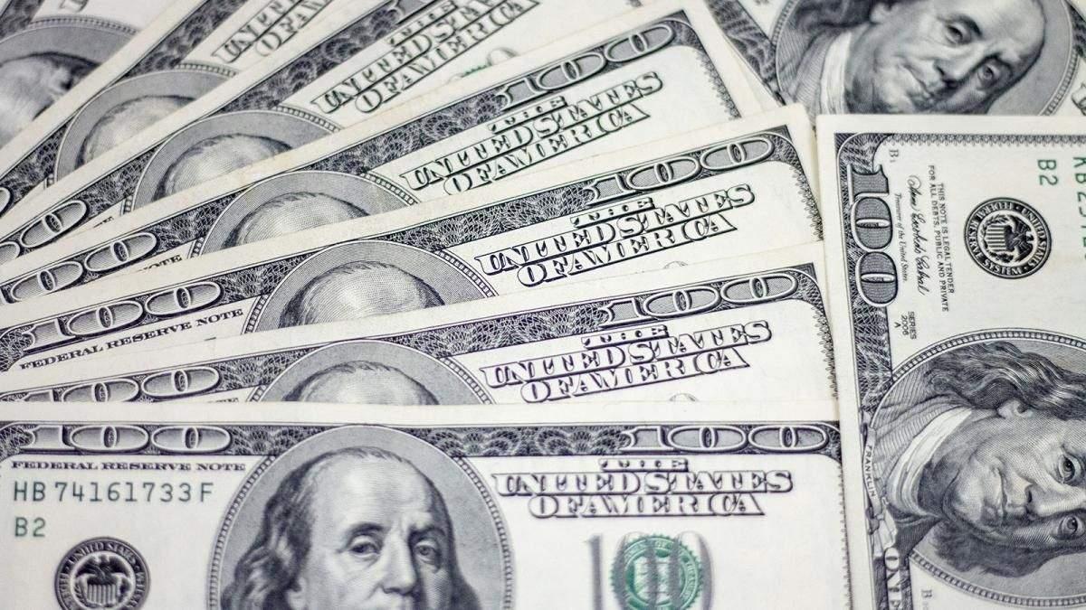 НБУ продав 200 мільйонів доларів, щоб заспокоїти паніку