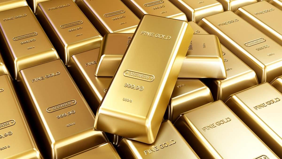 Золото падает в цене, несмотря на большое количество больных на COVID-19