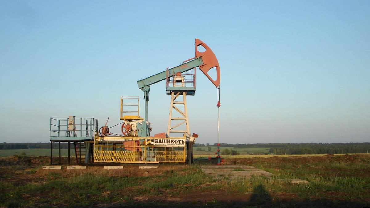Цены на нефть 3 августа 2020 упали из-за увеличения добычи ОПЕК