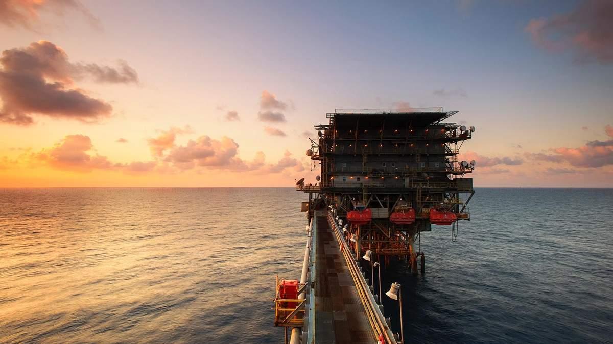 Запасы нефти в США стремительно падают: с чем это связано