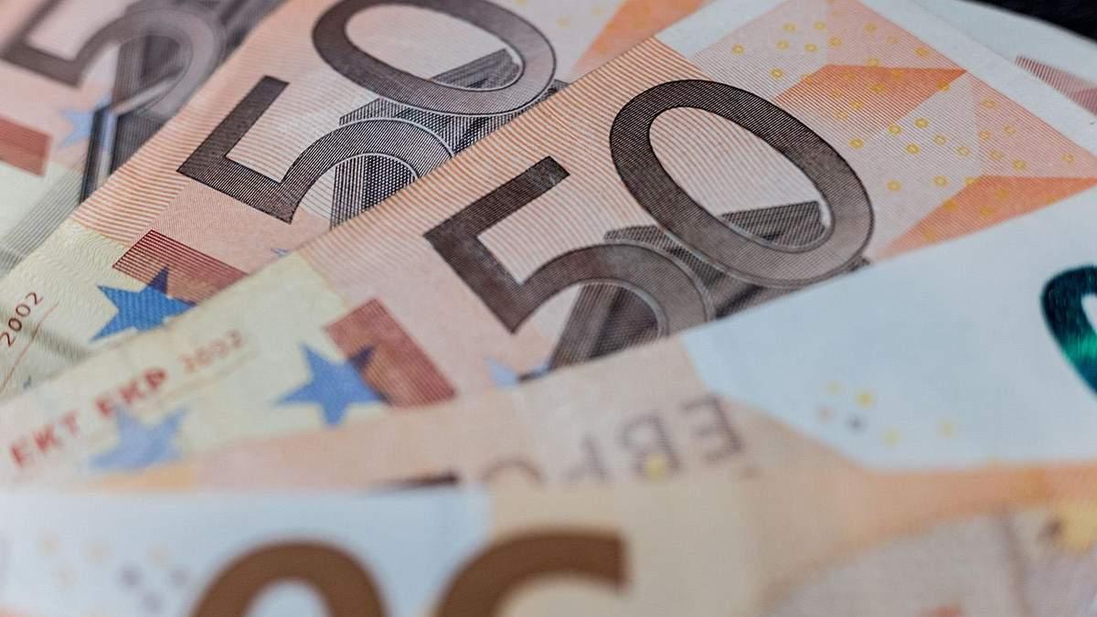 Готівковий курс євро, долара на 17 серпня 2020 – курс валют