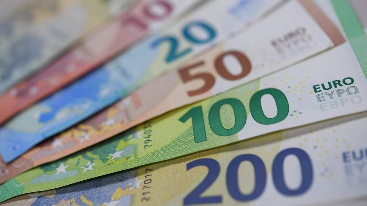 Курс валют на 31 серпня: євро знову суттєво подорожчав, долар – стабільний
