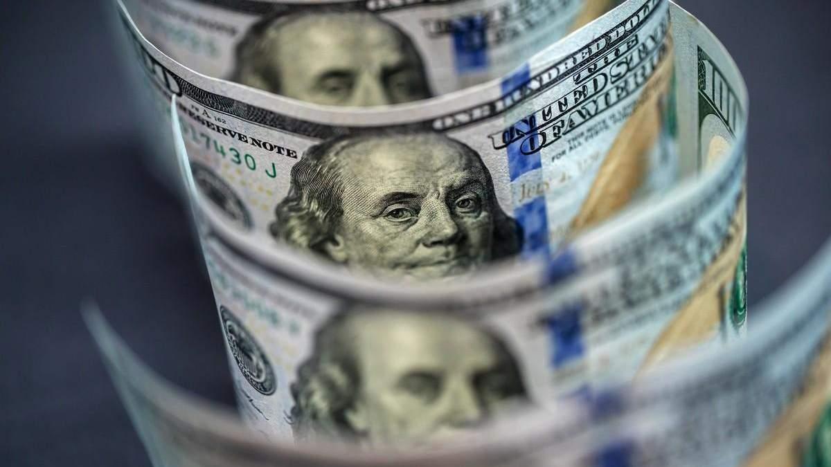 Гривня по 27 чи 30: чого чекати від курсу долара цієї осені