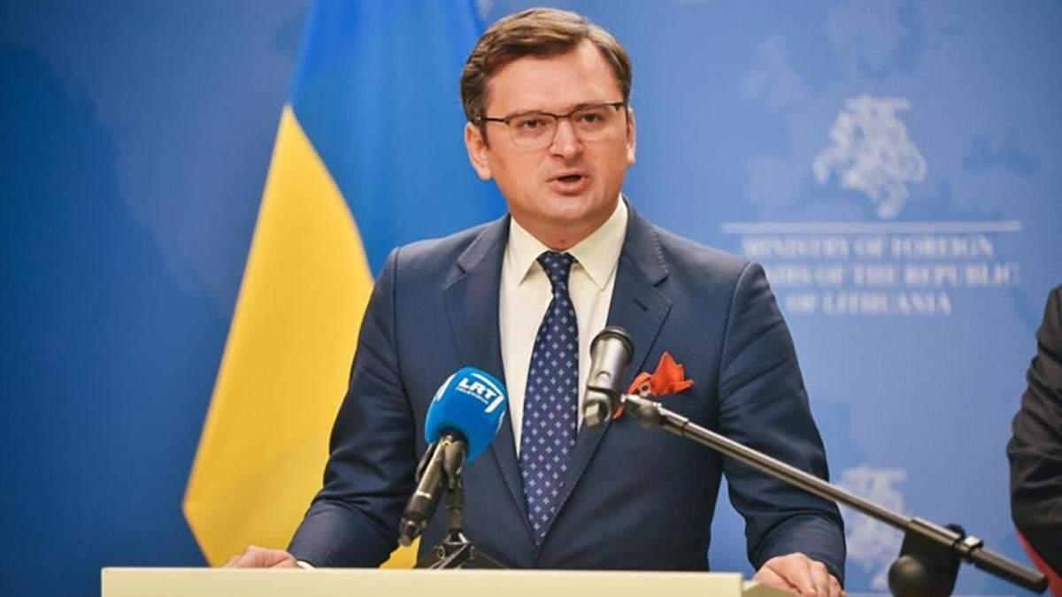 Ціна солідарності: Україна приєднається до санкцій ЄС проти Білорусі, але є нюанси