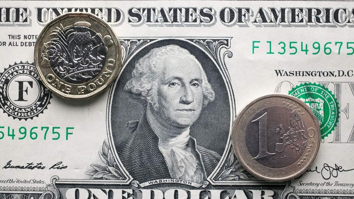 Наличный курс валют 30 октября: доллар дорожает, евро падает
