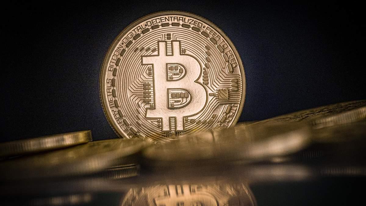 Біткойн коштує вже понад 32 тисячі доларів: історичного максимуму криптовалюта сягає втретє за день