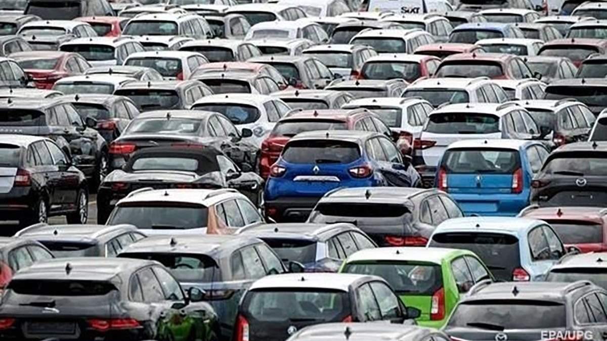 Скільки і яких автомобілів українці придбали у 2020 році