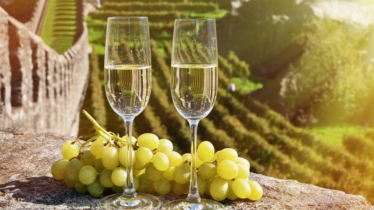 Уряд підвищив ціни на ігристе вино: причина