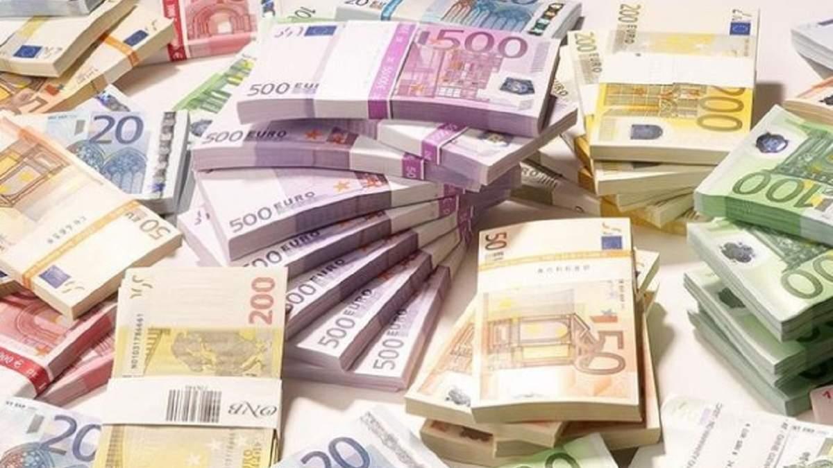 Які мінімальні зарплати в країнах Євросоюзу: порівняння з Україною
