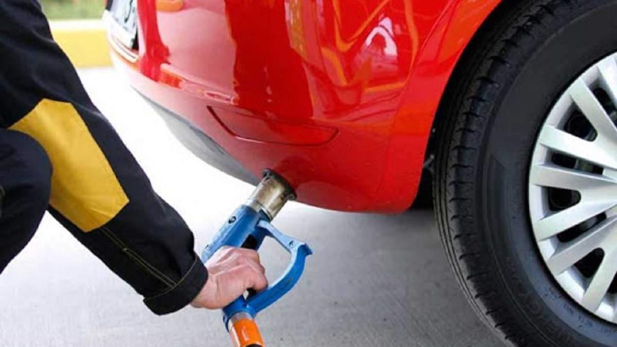АЗС подняли цены на автогаз: сколько стоит ним заправиться