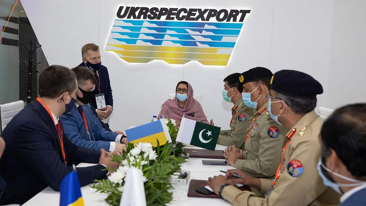 """Контракт між """"Укроборонпром"""" та Пакистаном щодо ремонту танків Т-80УД"""