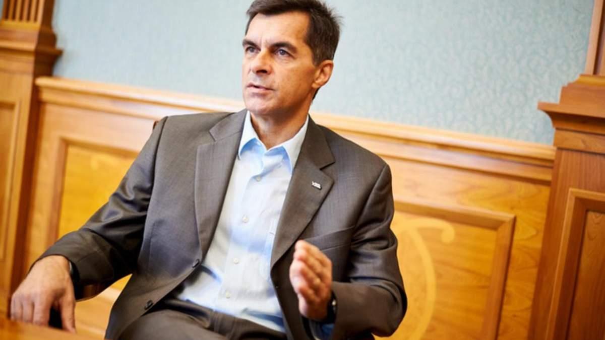 Уряд звільнив голову Укрзалізниці Володимира Жмака: хто замість нього