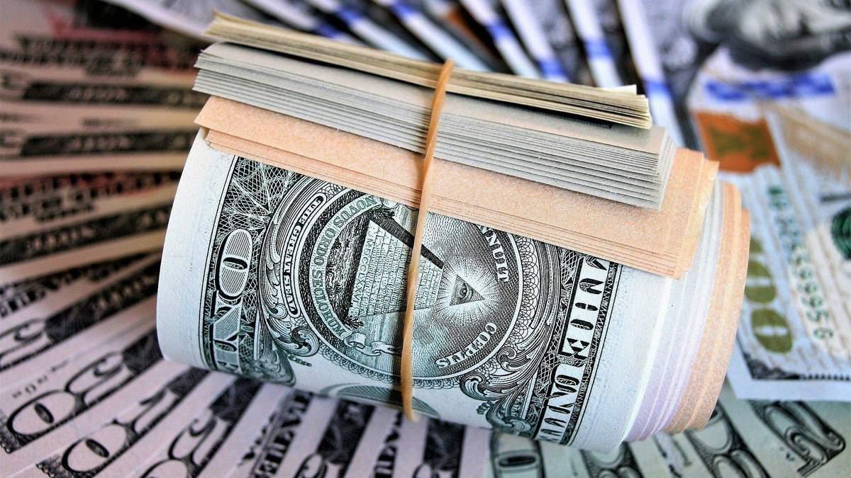 Українські недержавні пенсійні фонди почали купувати акції Apple, Tesla та Microsoft