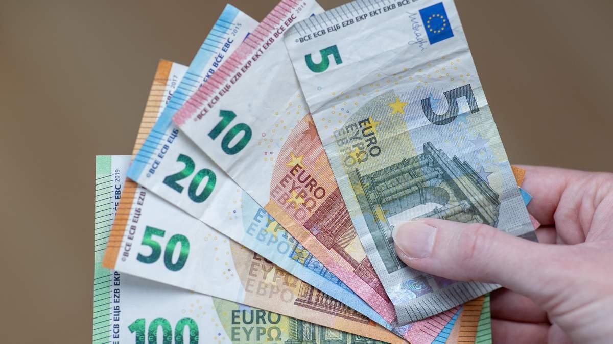 ЄС хоче заборонити готівкові розрахунки на суму понад 10 тисяч євро