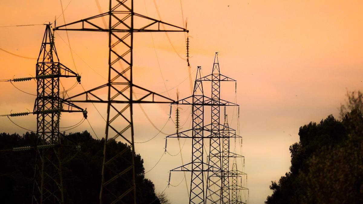 Міненерго вимагає зупинити імпорт електроенергії з Росії та Білорусі