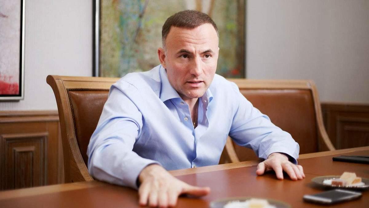 После введения санкций СНБО: Фукс заявил, что ему не хватает денег