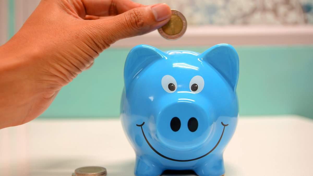 Як навчитись заощаджувати без стресу: лайфхаки