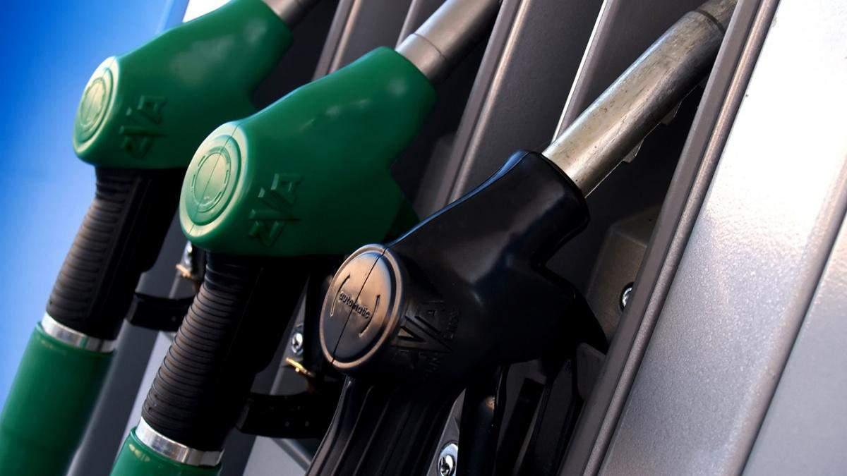 В Украине начали дешеветь бензин и дизельное топливо