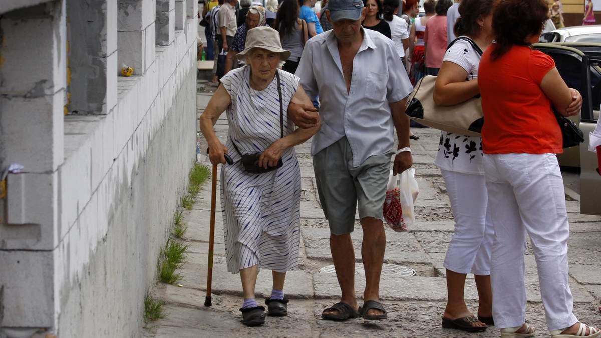 У Мінсоцполітики планують 5 етапів підвищення пенсій у 2022 році - Економічні новини України - Економіка