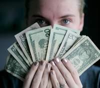 Курс валют на 24 листопада: долар і євро продовжують рости в ціні